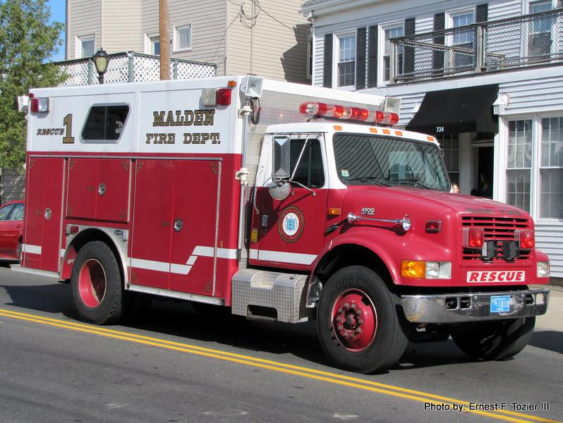 Malden Rescue 1 - 1995 International/E-One