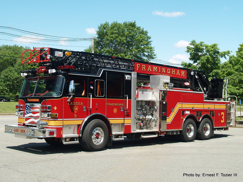 Framingham Ladder 3 - 2012 Pierce Arrow XT 2000/300 105'
