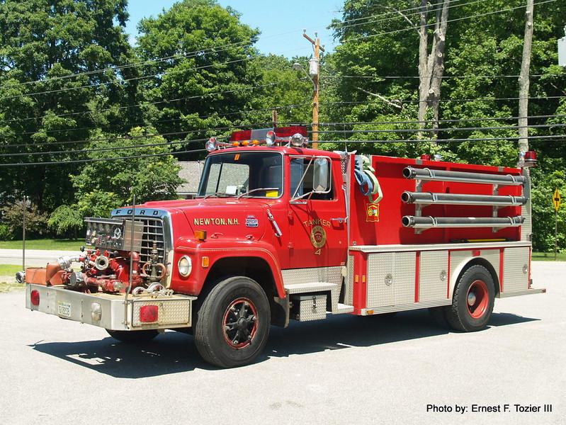 Tanker 4 - 1983 Ford 8000 (Retired)