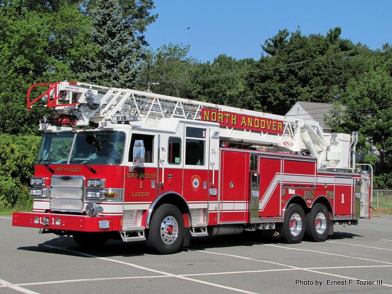 Ladder 1 - 2011 Pierce Arrow XT 100' Rearmount Aerial