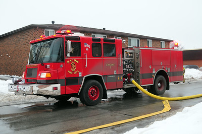 Engine 5 - 2001 Pierce/Quantum - 1500/500 - Photo Added 5/19/2015.