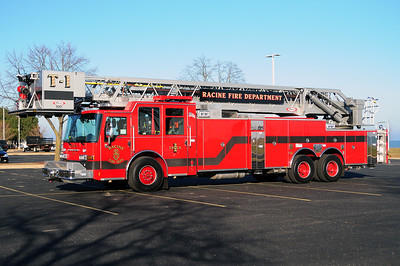 Truck 1 - 2014 Pierce/Dash CF - 100' Aerial Platform - Photograph Added December 11th, 2014