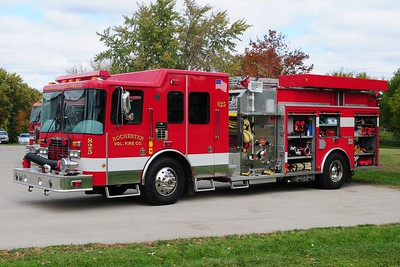 Engine 825 - 2001 HME/U.S. Tanker - 1500/? - Photograph added October 7th, 2012.
