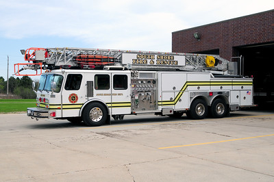 South Shore Truck 151 - 1992 Emergency One - 1500/250/110' - Former Mt. Pleasant Truck 151 - Photo Added 4/16/2010