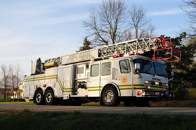 South Shore Truck 151 - 1992 Emergency One - 1500/250/110' - Former Mt. Pleasant Truck 151 - Photo Added 4/22/2010