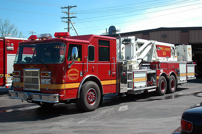 Tower 351 - 2004 Pierce/Dash - 2000/100' Midship Tower - (Owned Jointly by the Union Grove/Yorkville Fire Deaprtment & the Kansasville Fire Department)
