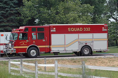 Squad 332 - 2003 Saulsbury/Spartan Gladiator - Heavy Rescue/Cascade/Command - Photo Added 6/14/2010