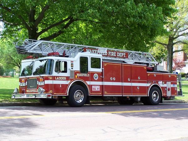 Ladder 1 - 1996 Seagrave 100' RMA