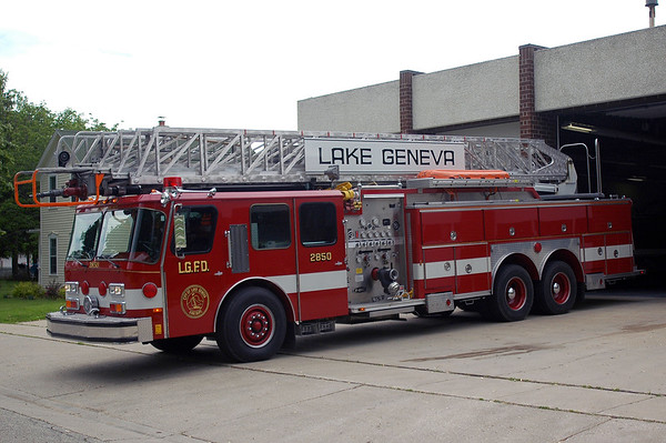 Truck 2850 - 1988 Emergency One - 1500/250/110' Aerial - Disposed of 2012.