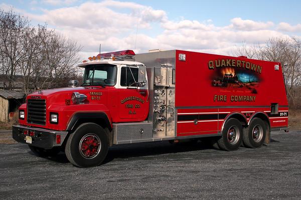Quakertown Fire Company Tanker 91-71 - 1992 Mack RD/Saulsbury 400 Pump - 3,000 Tank