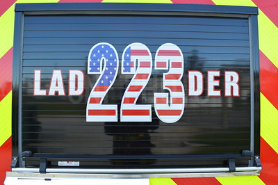 Old and New Ladder 223 Arch Photoshoot