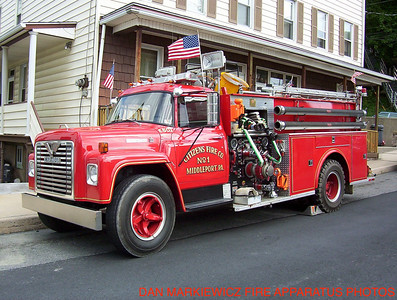 CITIZENS FIRE CO FORMER ENGINE 51-11 1975 INTERNATIONAL/CARMAR PUMPER
