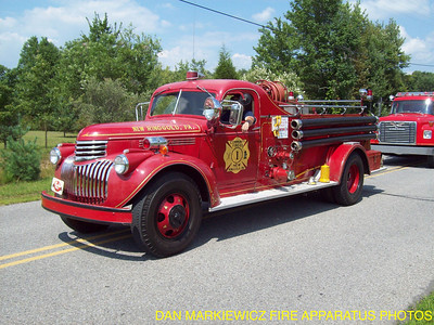 COMMUNITY FIRE CO ANTIQUE 1946 CHEVY/HOWE PUMPER
