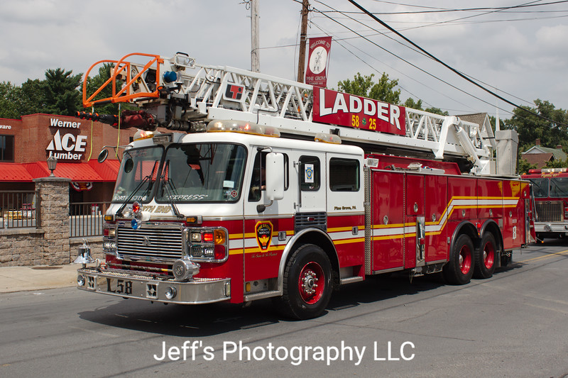 North End Fire Company, Pine Grove, PA, Ladder #58-25