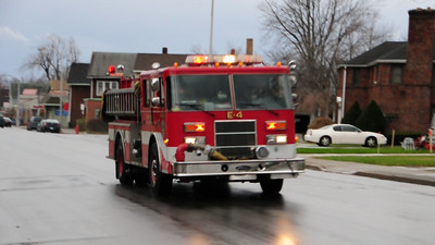 Buffalo Fire Engine 4 responding