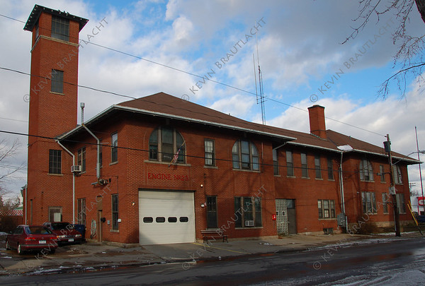 Buffalo, NY Engine 23 106 Collingwood at Bailey