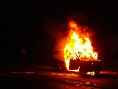 2003-10-31-rfd-van-fire