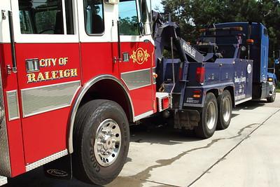 2014-09-20-rfd-engine-gets-towed