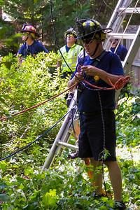 2019-07-13-nhfd-lauren-oaks-dr-mjl-011
