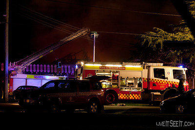 P77 St Marys at work on the Log Cabin Motel fire in Penrith