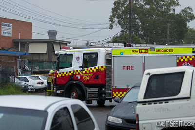 FRNSW P34 Riverwood at a Wreckers Fire January 2011