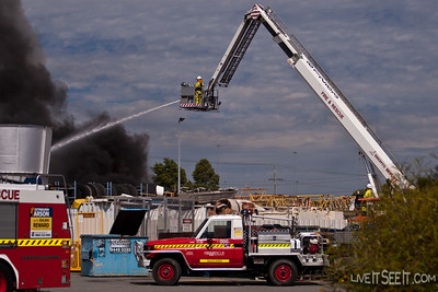 Perth CLP at work on Tyre Plus Fire Perth CLP at work on Tyre Plus Fire  December 2010