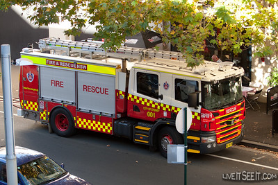 Rescue Pump 1 from City of Sydney in The Rocks at a Shop Fire