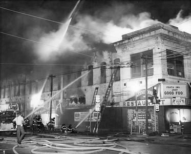 Sleeve: Elm & Lamar, 6 firemen hurt