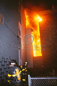 Feb. 20, 1987 - Boston, MA - 6 Alarms, West 6th St and D St. - The view from the D Street side. Three buildings going now.