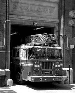 FDNY - Ladder Co.38 - Bronx - Seagrave Rearmount - 2008 FDNY NJ Metro Fire Photographer's Bus Trip