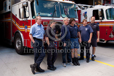 Group Photo - FDNY Rescue Co3 - Big Blue