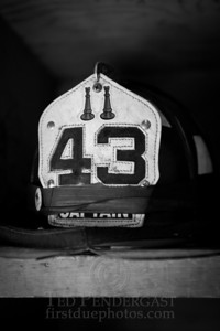 FDNY Helmet - Captain Engine Co43