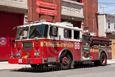 FDNY E88 Bronx - First Due At The Bronx Zoo