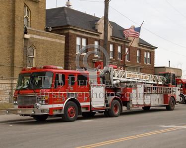 Detroit Spare Ladder - 2001 American LaFrance LTI 100' Tiller - Shop# 289