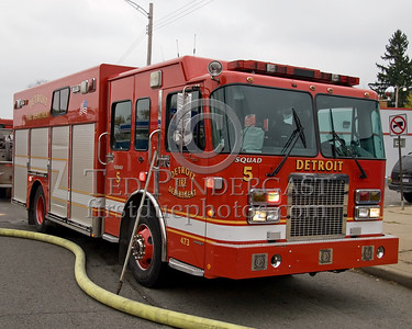 Detroit,MI - Squad Co.5 (2004 Spartan/SVI Shop#473) - 2 Alarms - 19848 Joy Rd corner Plainview Av - 'Family Dollar Store'