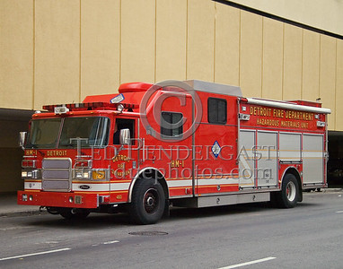 Detroit,MI - HazMat Co.1 (2005 Pierce Enforcer Shop#483) - Near HQ Downtown