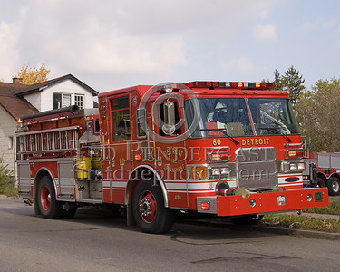 Detroit,MI - Engine Co.60 (2005 Pierce Enforcer 1250gpm/500gal/50foam, Shop#480) - Working Fire - Young St near Chalmers St