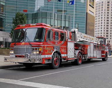 Detroit,MI - Ladder Co.20 (2001 American LaFrance/LTI Tractor Drawn Aerial 100 ft. Shop#291) - Woodward Ave Downtown