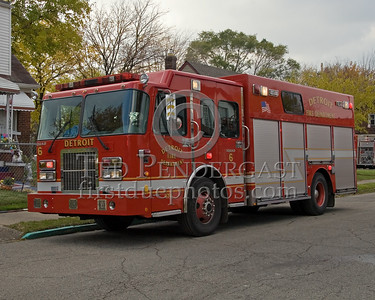Detroit,MI - Squad Co.6 (2004 Spartan/SVI Shop#474) - Working Fire - Young St near Chalmers St