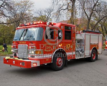 Detroit,MI - Engine Co.17 (Pierce Enforcer 1250gpm/500gal Shop#521) - Working Fire - 5782 Wabash St corner Antoinette St - One Occupant Rescued By FFs - CPR At Scene - 10-45-1