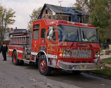 Detroit,MI - Engine Co.50 (2000 American LaFrance 1250gpm/500gal, Shop#249) - Working Fire - Young St near Chalmers St