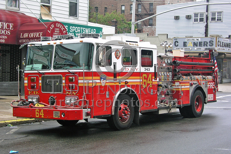 FDNY Engine Co.64 - Castle Hill, Da Bronx