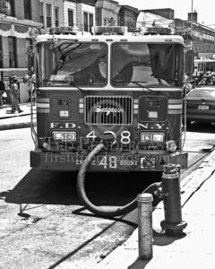 FDNY Engine Co 48 - Hooked Up To A Hydrant At A 2nd Alarm Bronx Box 2740 For 1381 Bristow Street