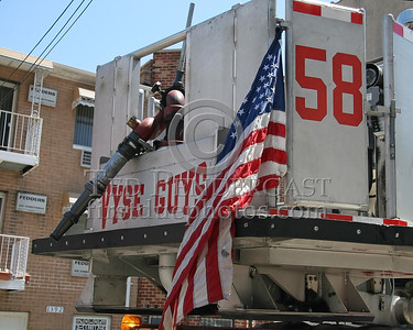 "FDNY Tower Ladder 58 - ""Vyse Guys"" - Operating at a 2nd Alarm Bronx Box 2740 for 1381 Bristow St"