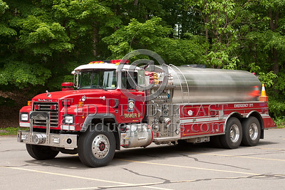 Simsbury CT - Tanker Co.9 - 2000 Mack/US Tankers 1250/3000