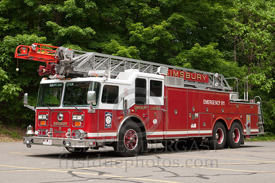 Simsbury CT - Ladder Co.11 - 1992 Seagrave LR 100-foot rearmount