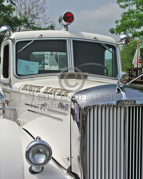 North Haven,CT 1951 Mack - Grill