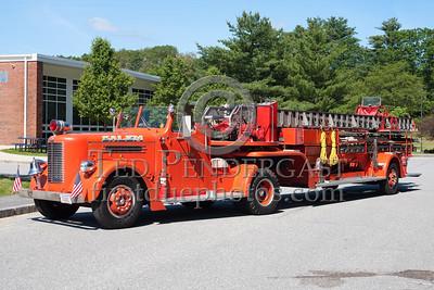 Former Salem MA? Ladder Co.1 - 1951 Pirsch tiller TDA. Photo Taken At The 2009 Lynnfield MA SPAAMFA Muster