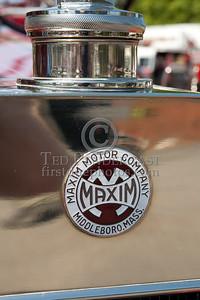 Maxim Logo, Radiator Cap - Former Marion MA Engine Co.1 - 1926 Maxim Pumper. Photo Taken At The 2009 Lynnfield MA SPAAMFA Muster