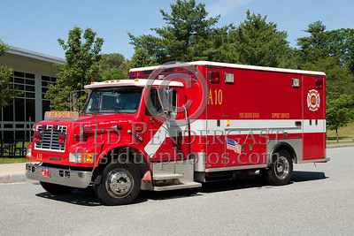 Boston Sparks Association Canteen A10 - 1997 International (former ambulance). Photo Taken At The 2009 Lynnfield MA SPAAMFA Muster